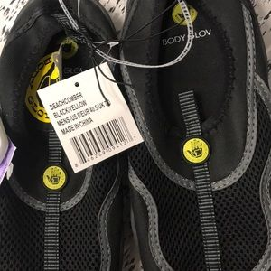 Size 8 bodyglove beachcomber water shoes